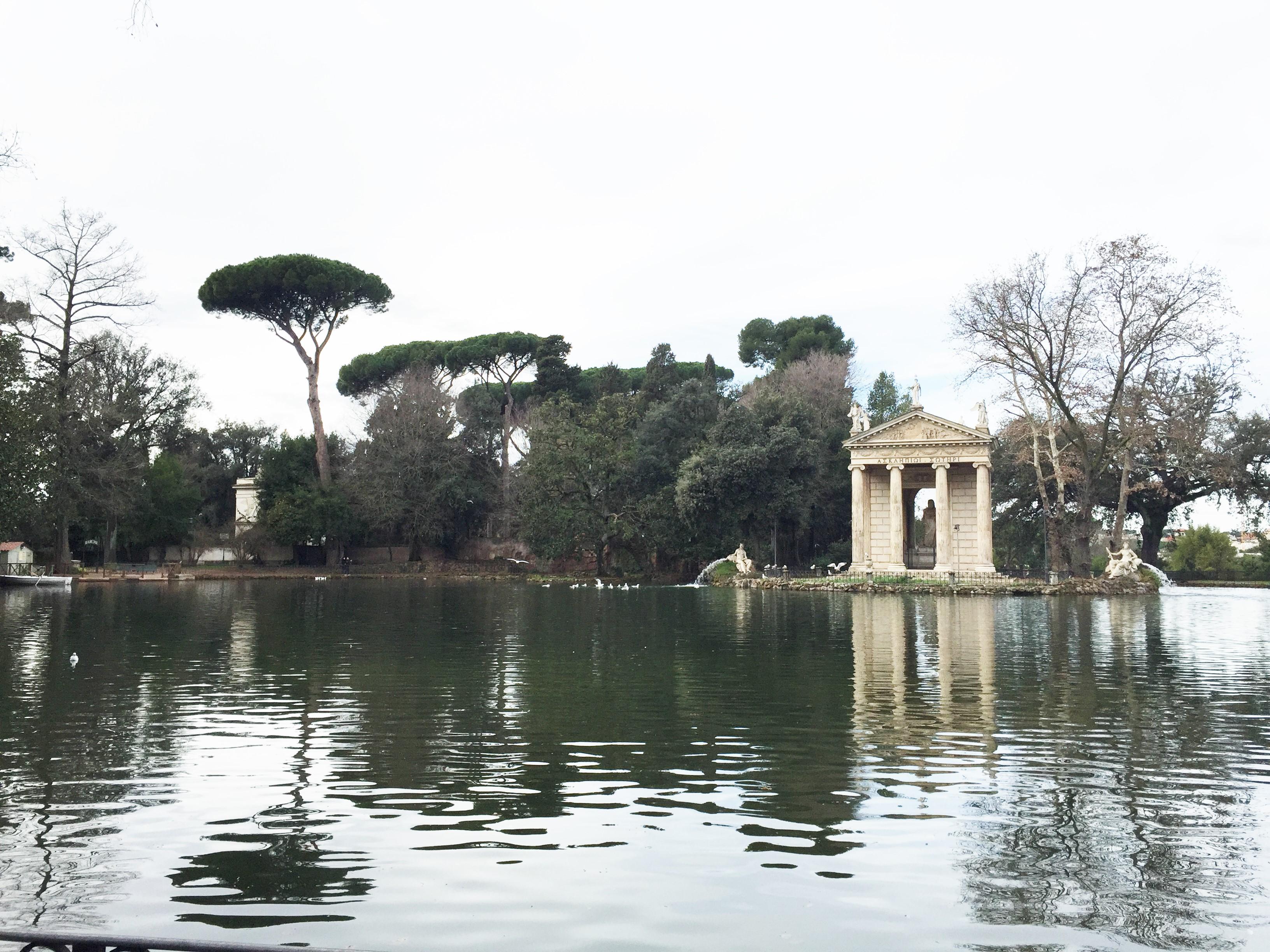 Templo de Esculápio nos jardins da Villa Borghese