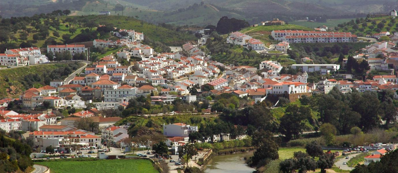 Permalink to: Terras Sem Sombra à descoberta do Cabo Sardão e mestres dos séculos XIX e XX.